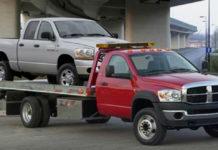 Как девушке вытащить автомобиль из грязи?