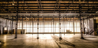 Задачи по коммерческой недвижимости: найти складское помещение, взять офис в аренду.