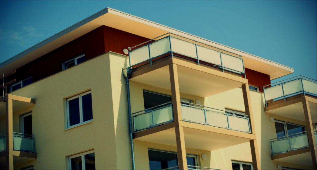 Чуть больше 10 лет назад мы даже не слышали про окна из ПХВ. Хотя на западе они появились уже в 50-х годах.