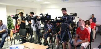 С каждым годом журналистика становится все более популярной. И это понятно, ведь кому не хотелось бы увидеть себя в экране телевизора